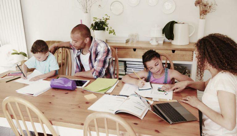 Blog: Op kantoor thuis;het lijkt wel koorddansen
